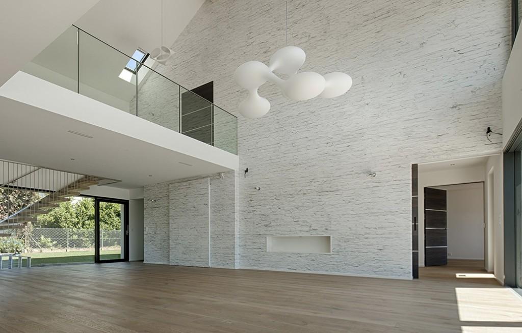 Concrete Wall door Tom Haga
