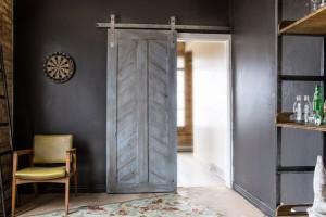 grijze_deur