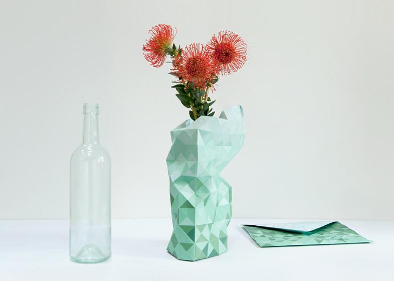 dezeen_Paper-Vase-by-Pepe-Heykoop-2